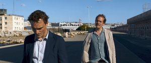 Godehard Giese Transit filminde Fikret Kuşkan ile benziyor