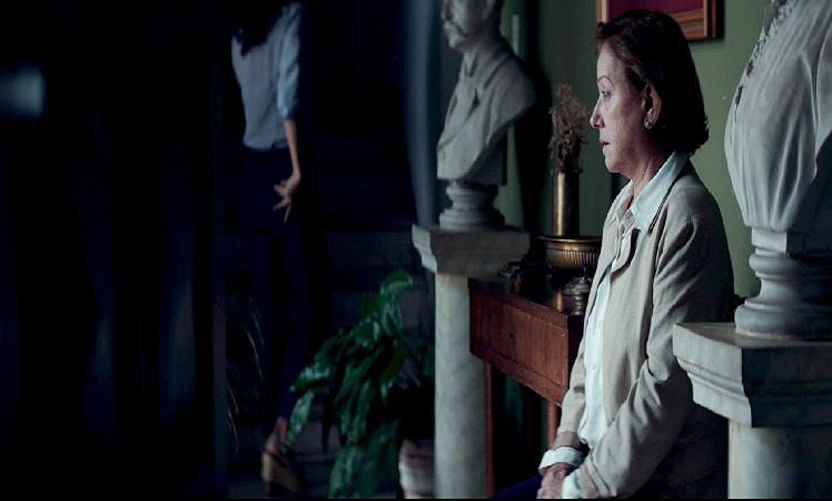 Mirasçılar filminden, Chela (Ana Brun)