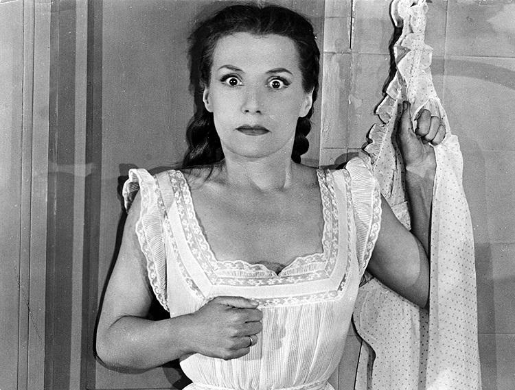 Şeytan Ruhlu İnsanlar filminde Bayan Delasalle (Véra Clouzot)