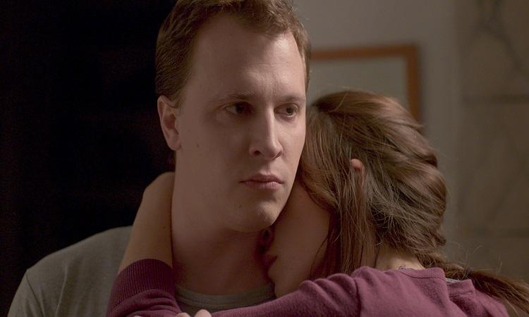 Pastacı filminde Tim Kalkhof (Thomas) ve Sarah Adler (Anat)