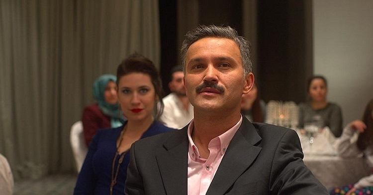Güven filminde Ali (Bülent Çolak) ve Meryem (Gözde Çığacı)