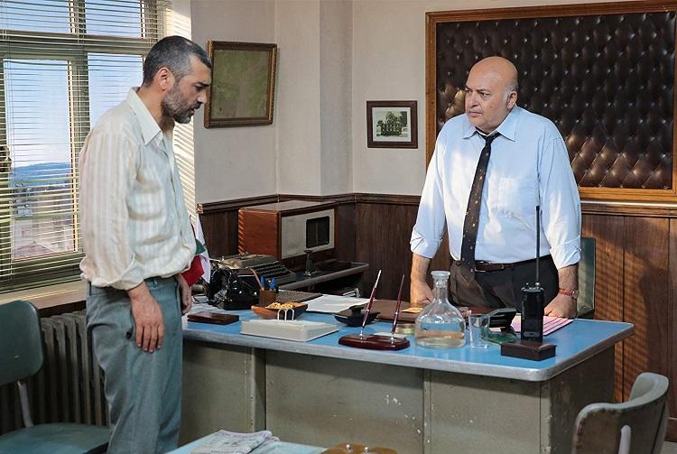 İçerdekiler filminde Tutuklu Öğretmen ve Komiser